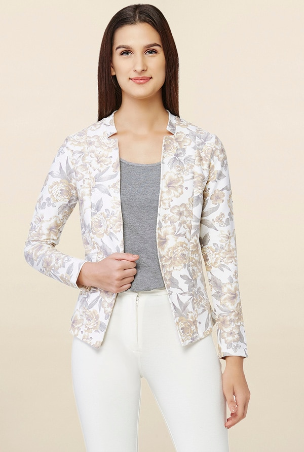 Adorn Corporate Look Like Kajol Did in VIP 2, Ways to Style for Office, Ace Professional Look - AND Off White Floral Print Blazer TATA CLiQ Deal